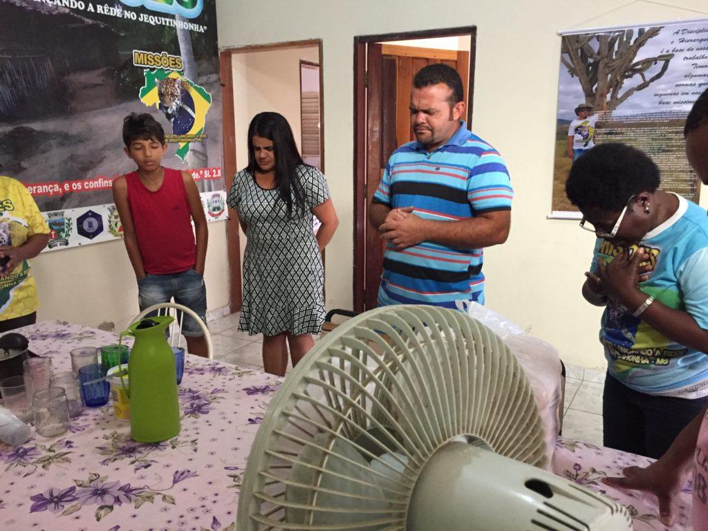 Momento de oraçao 1024x768 - Missão - Vale do Jequitinhonha | Dia das Crianças | Ano 2017
