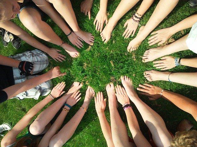 Preciso Ser Membro de Uma Denominação Para Ser Membro do Corpo de Cristo - Conselheiro Cristão - Motivação, Equipe, Juntos, grupo