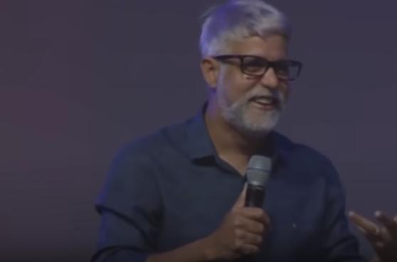 Pastor Claudio Duarte - Casou? Chupa Essa Manga e Bola Pra Frente