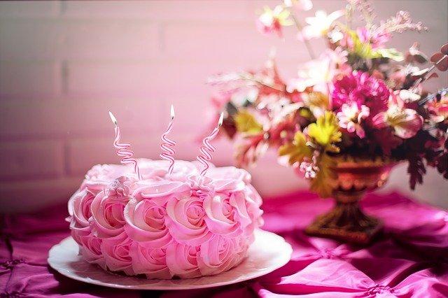 Mensagem de Aniversário Para Filha - Bolo de aniversário